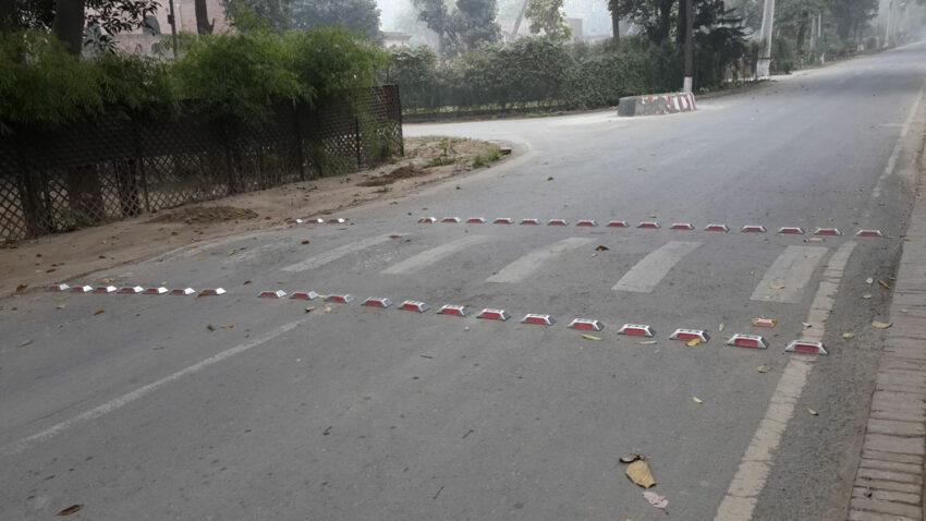 cat eyes road pakistan 2