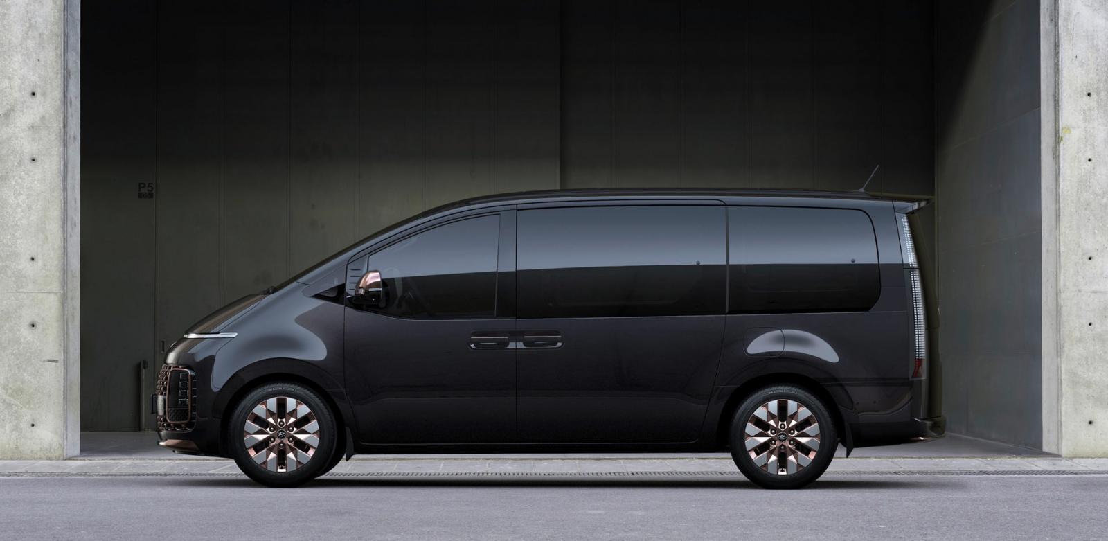 Hyundai Staria Revealed Ahead of Debut 5