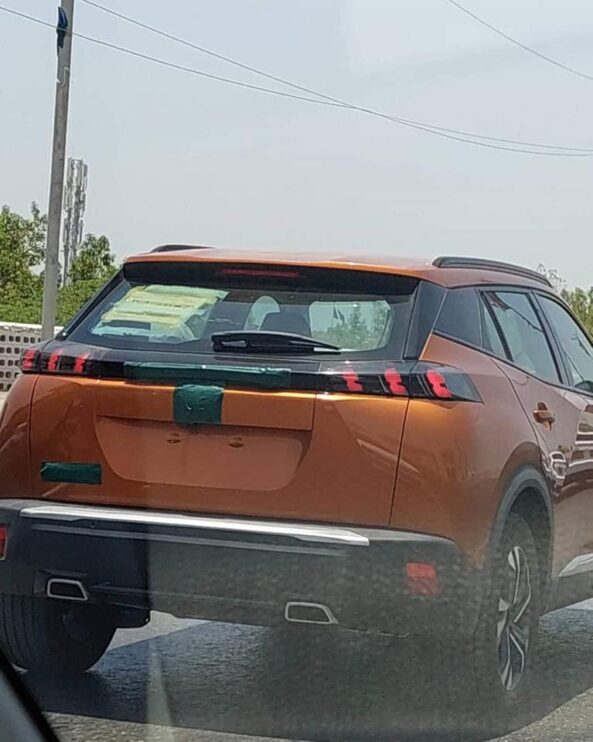 Peugeot 2008 Spotted in Vibrant Camouflaging Livery 5