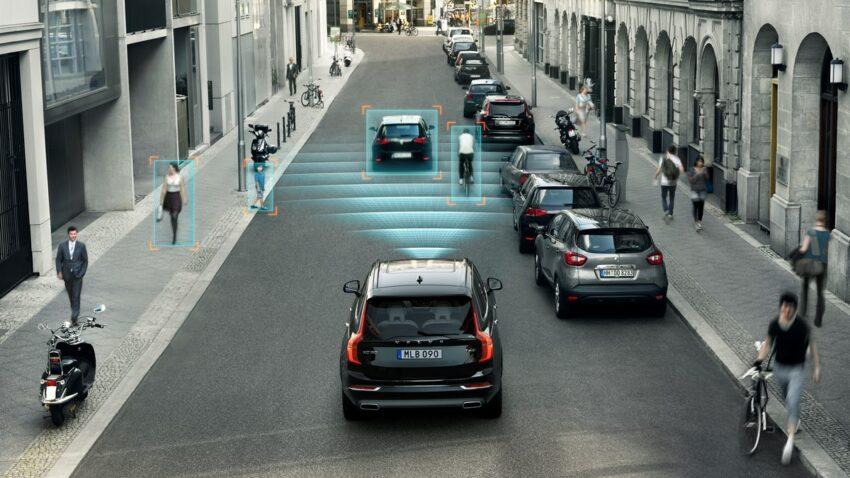 volvo pedestrian detection